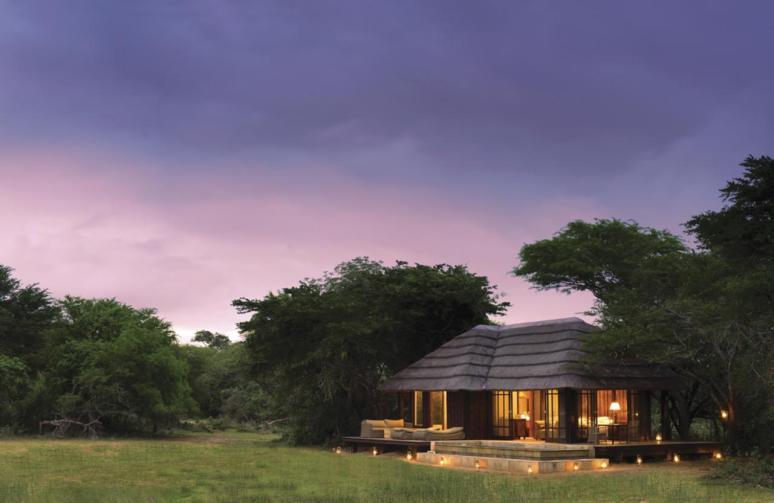 Vlei Lodge at dusk